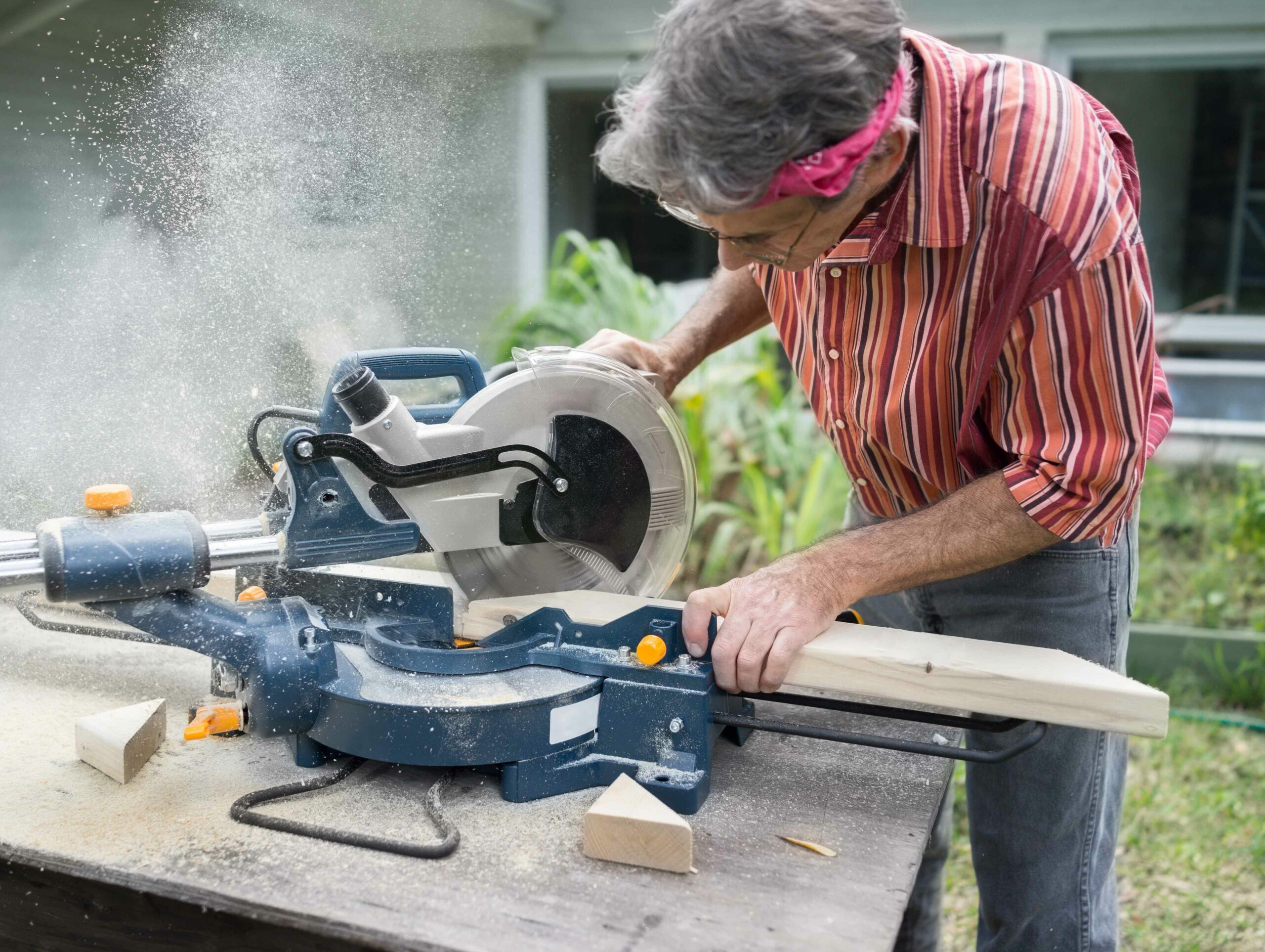 Best Miter Saws of 2020 – Complete Buyer's Guide 9