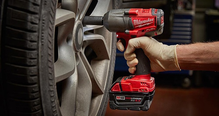 Best Cordless Impact Wrenches of 2020 – Complete Buyer's Guide 7